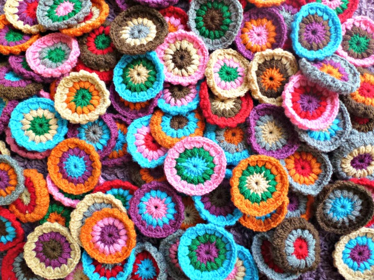 crochet circles ready and waiting