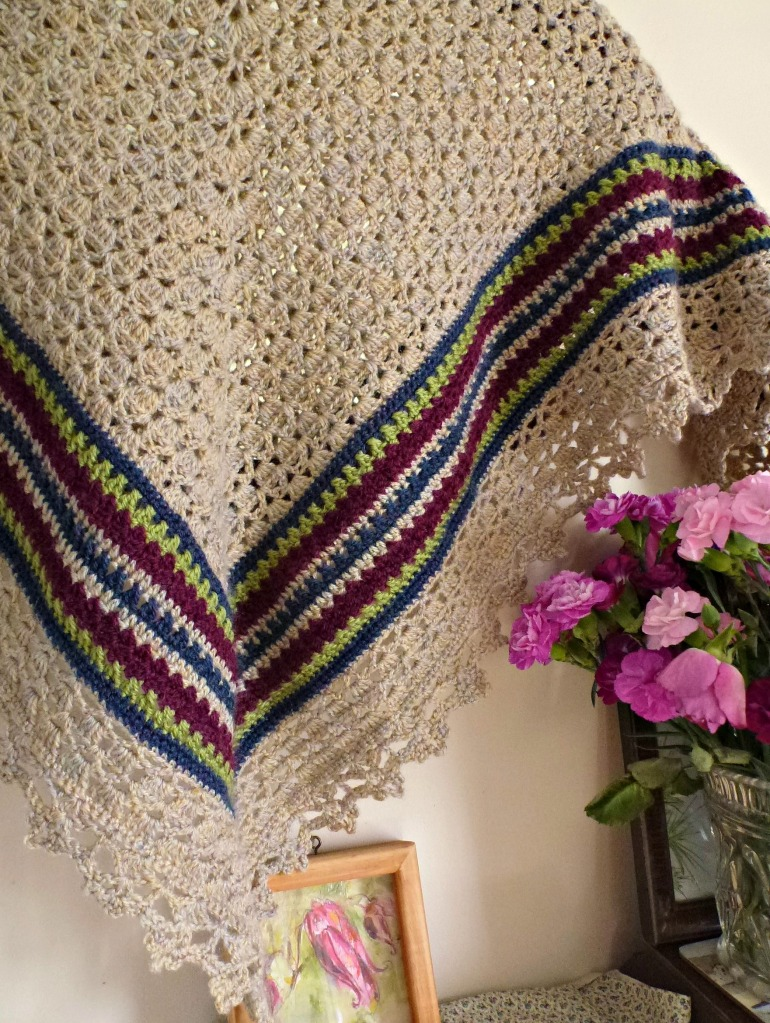 vintage looking granny shawl