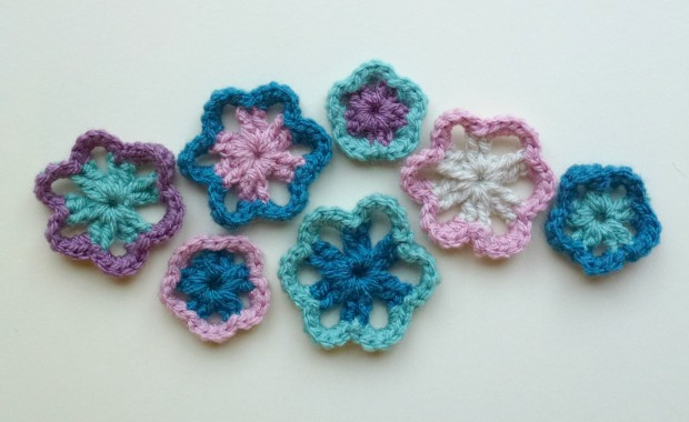 bunch of crochet flowers