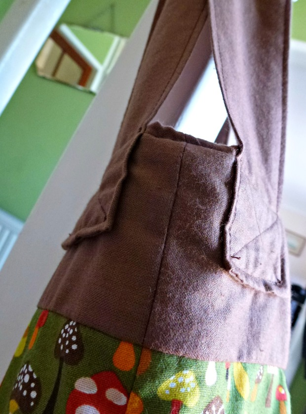 toadstool bag detail