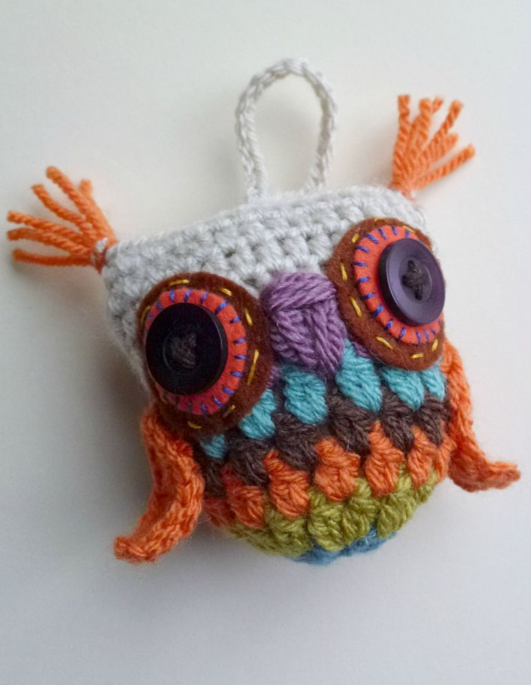 tufted crochet granny owl. free pattern.