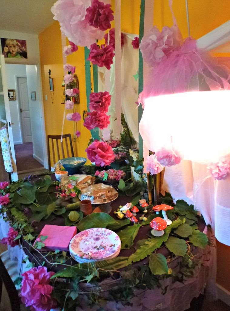 laying the fairy party table