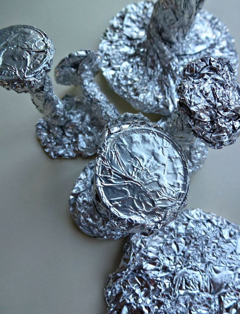 making toadstools with foil