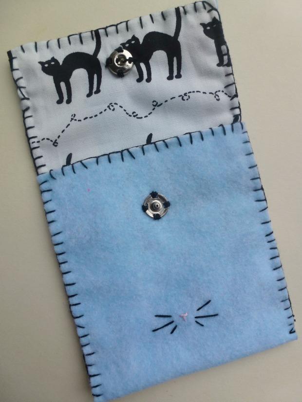little felt cat purse