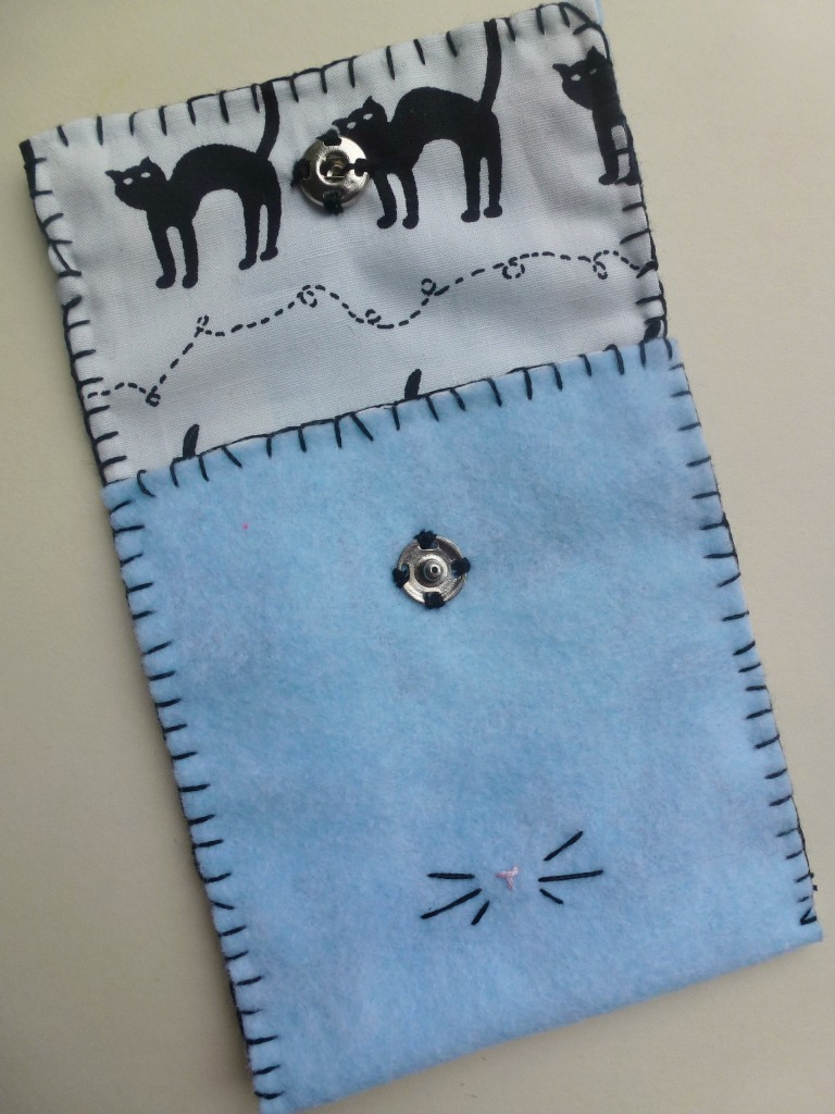 little felt cat purse