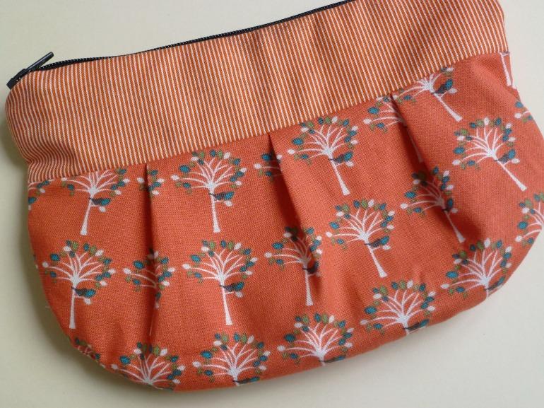 little pleated purse