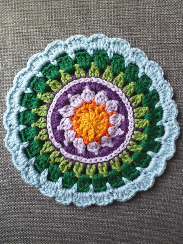 Made in K Town. Free crochet mandala pattern.