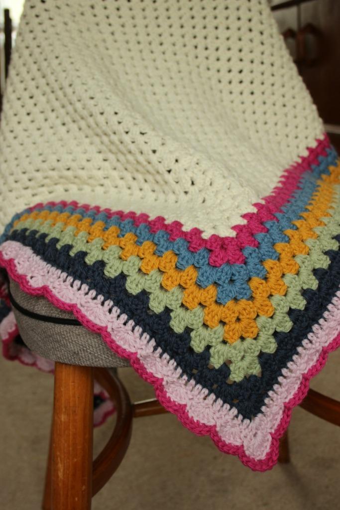 Crochet shawl. Ridiculously easy shawl pattern.