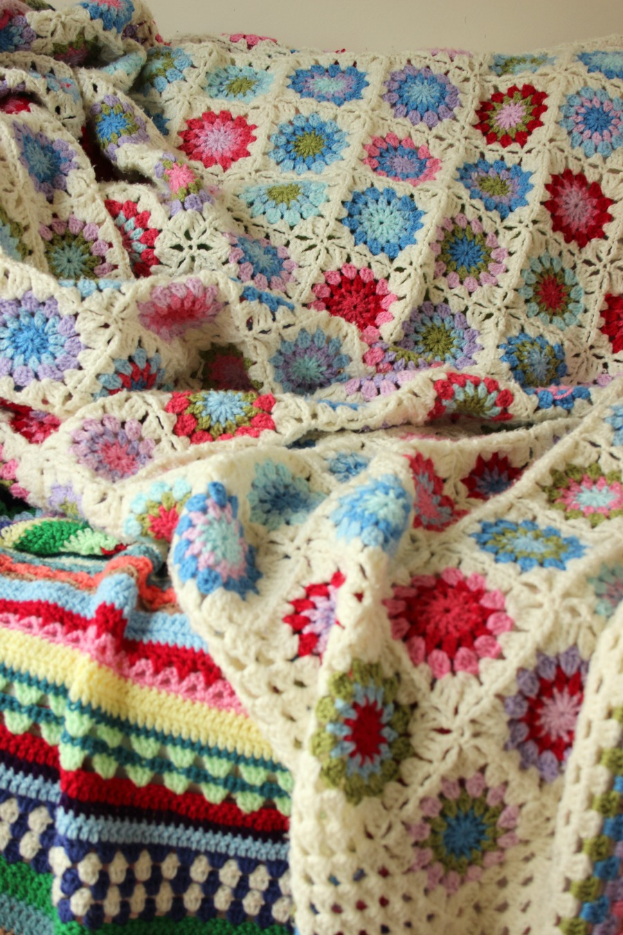 Crochet Circles in a Square Blanket. – Zeens and Roger
