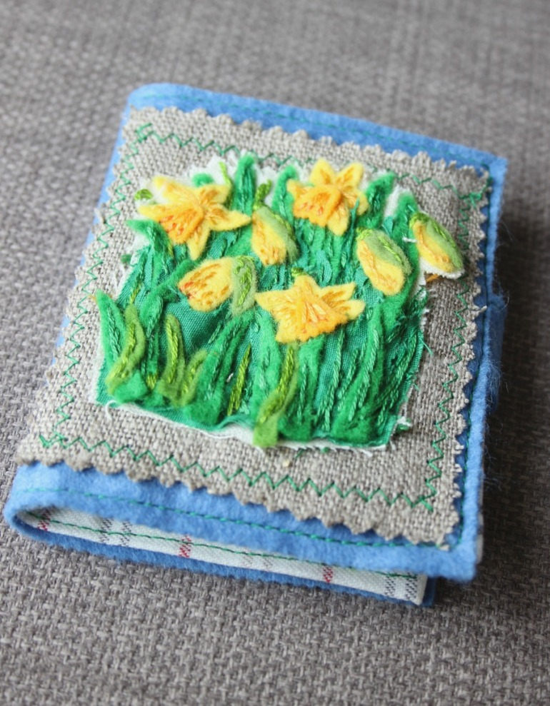 Daffodil embroidered needlecase