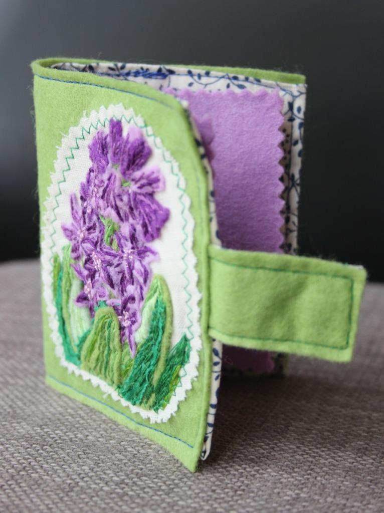Hyacinth needle case standing