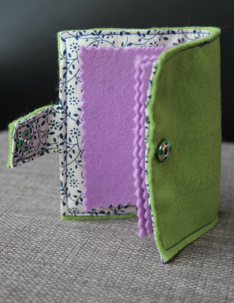 Hyacinth needle case
