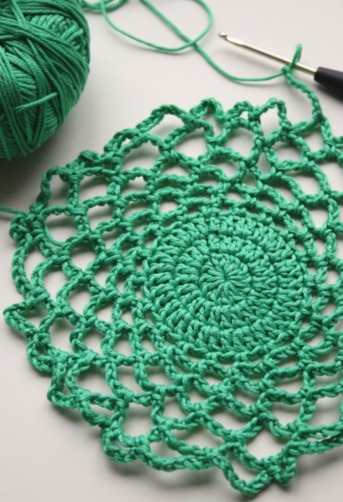 green mesh crochet bag