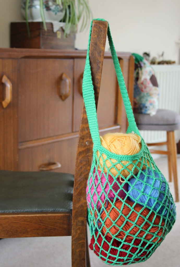 Using my bag. Crochet mesh bag pattern.