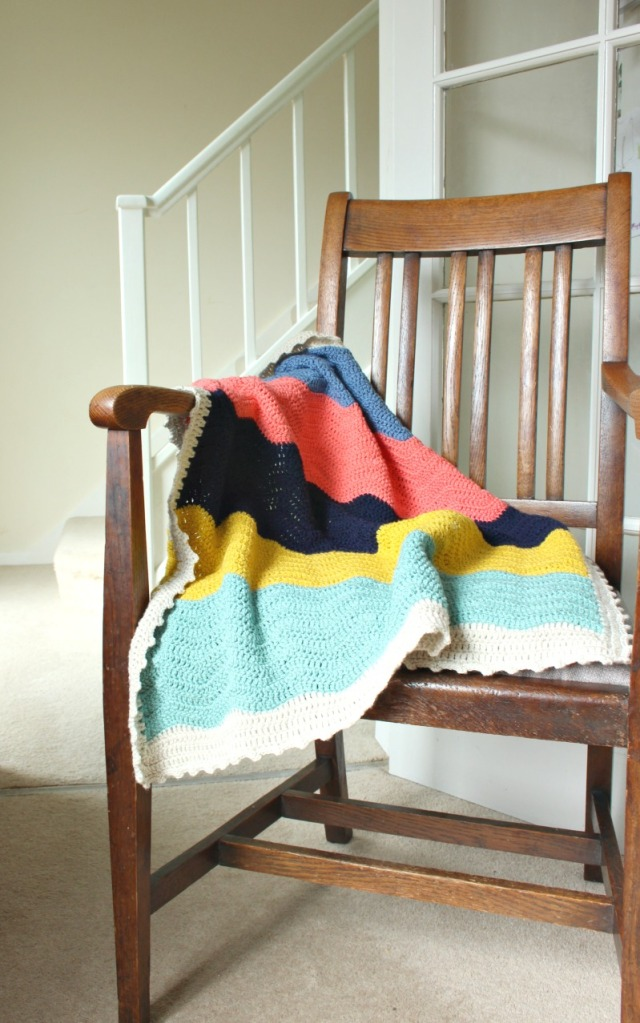 block colour crochet blanket. drapey drapey.