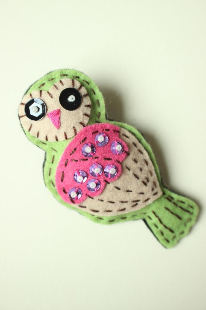 felt owl brooch