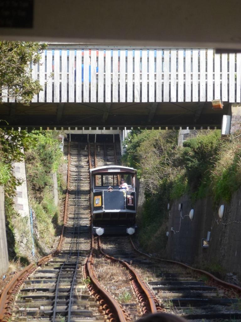 electrci-cliff-train-at-aberystwyth