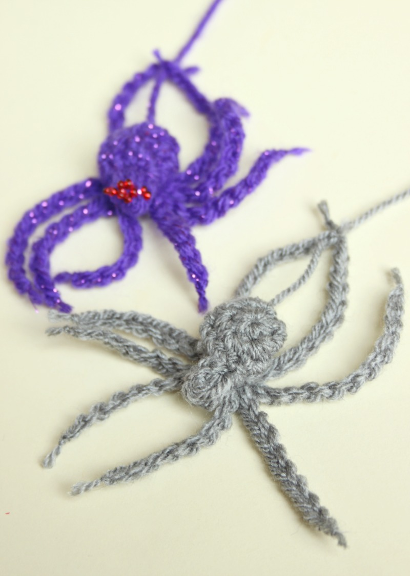 A Crochet House Spider. A Free Pattern for Hallowe\'en. – Zeens and Roger