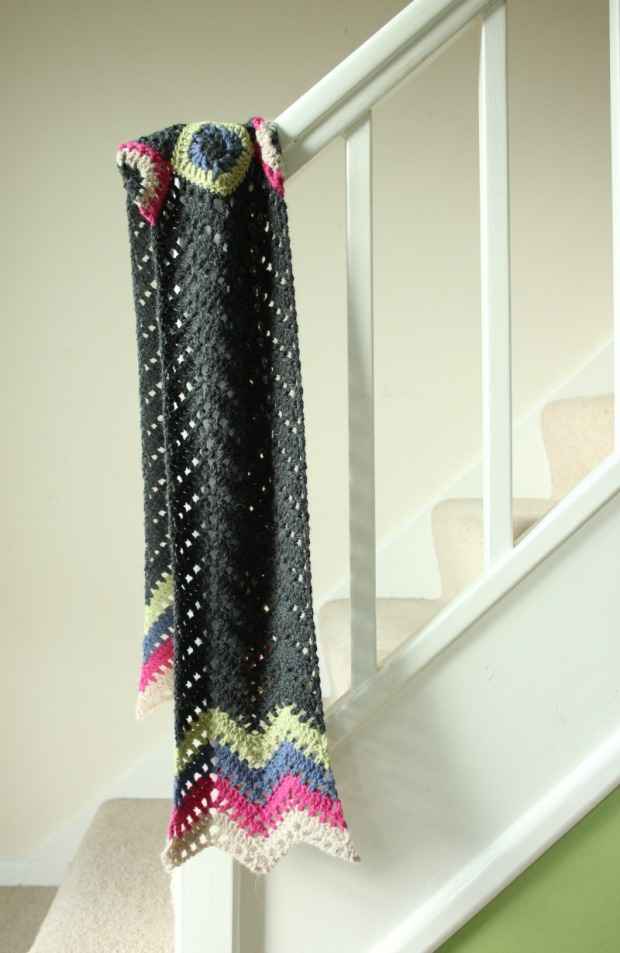 geoffrey-on-the-stairs-crochet-scarf-by-potter-and-bloom