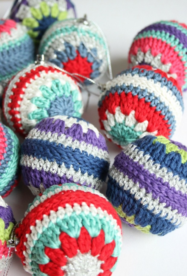 crochet-baubles