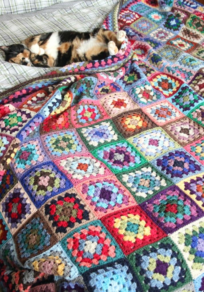 proper-crochet-granny-blanket