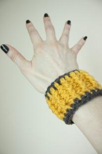 easy-crochet-bracelet
