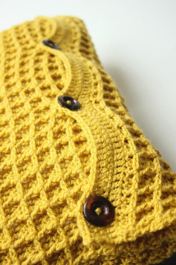 mustard-waffle-crochet-cushion-wiht-wooden-buttons
