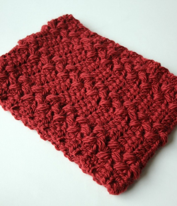 rich-red-crochet-cowl