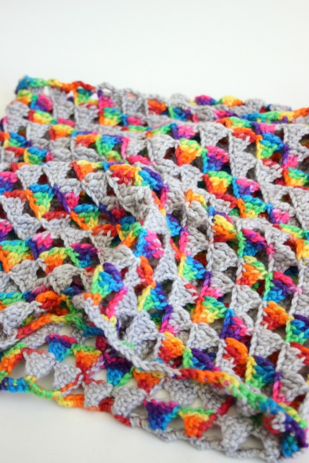 self-striping-yarn-rainbow-crochet-infinity-scarf
