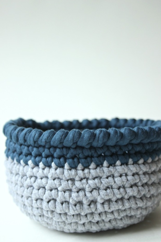 t-shirt-yarn-crochet-bowl
