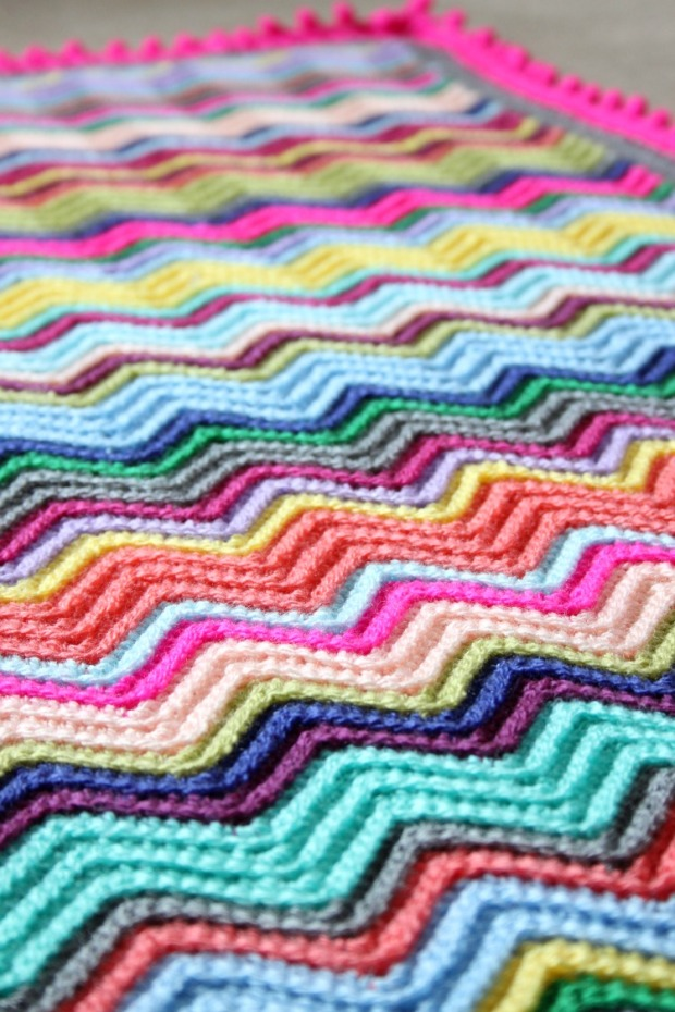 colourful-crochet-blanket-chevron-pattern