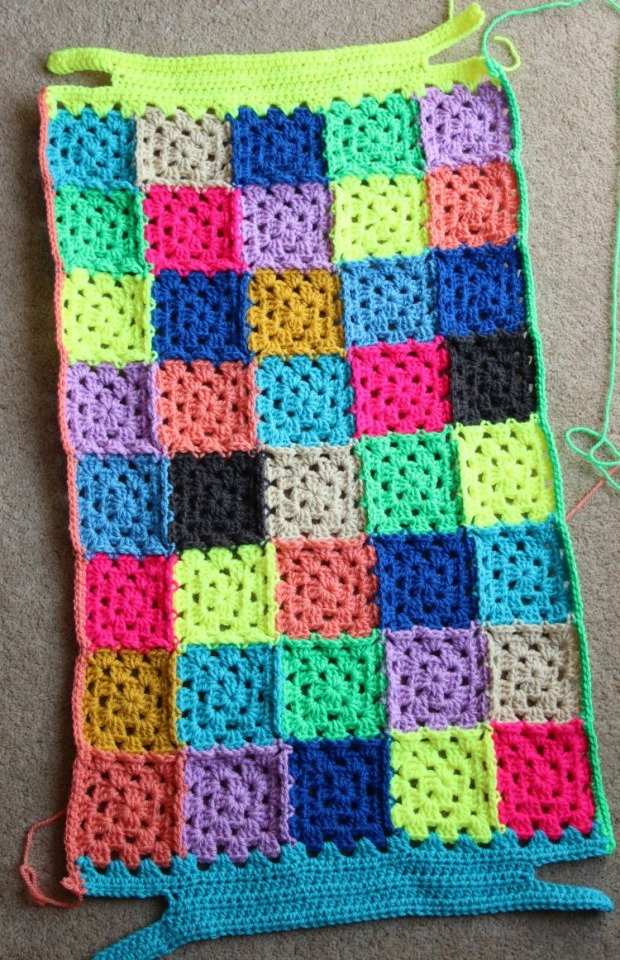 how to turn a crochet granny square into a rectangle