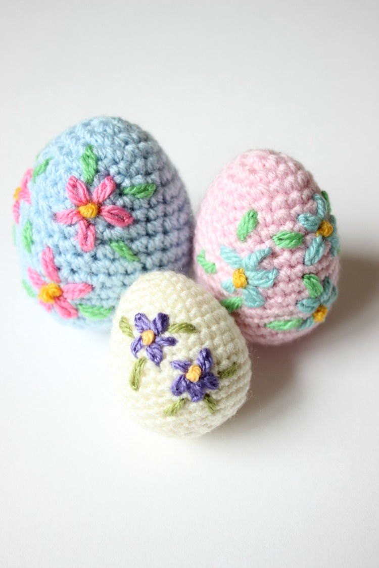 Crochet Yourself an Amigurumi Easter Egg. Video Tutorial & Pattern ...