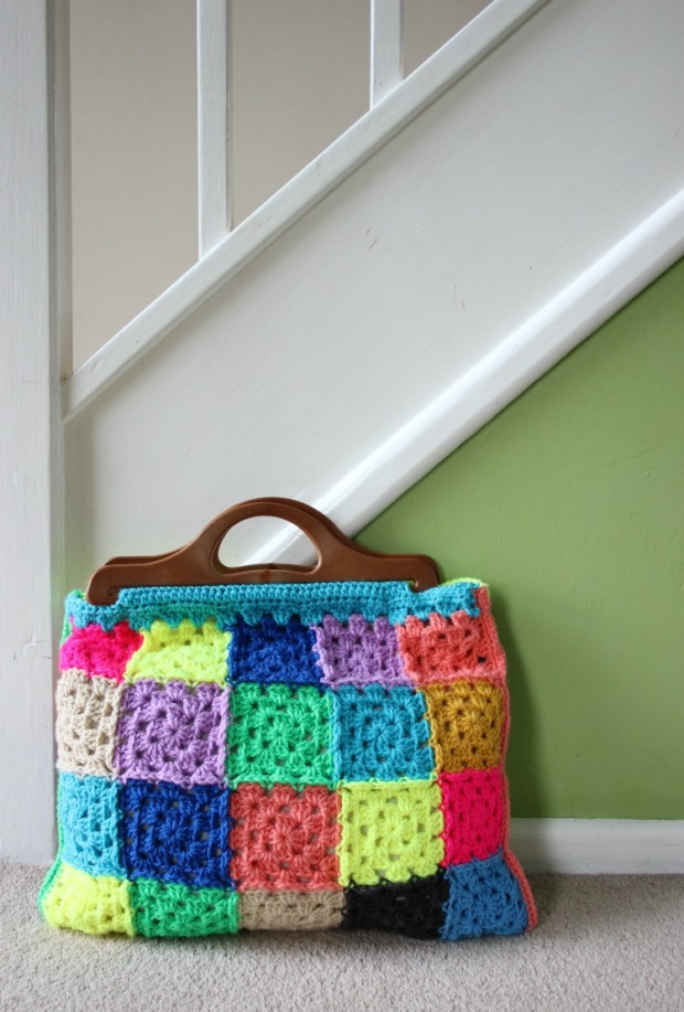 How To Make A Granny Square Bag Free Crochet Pattern