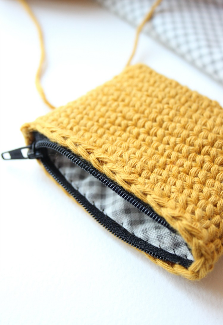How to Crochet a Purse and add Zip and Lining – Zeens and Roger