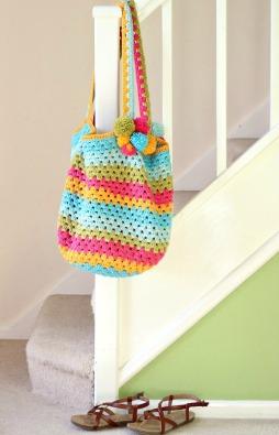 Ready for the beach. Crochet Beach bag. Free pattern
