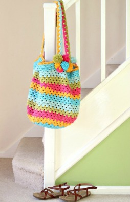 Ready for the beach. Crochet Beach bag. Free pattern